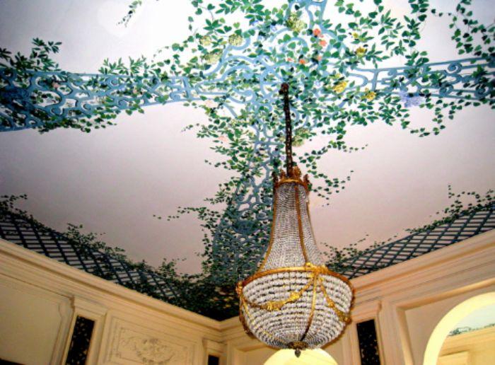Breakfast room ceiling Villa Reine Hortense