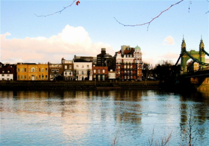 Barnes towpath - looking across to Hammersmith