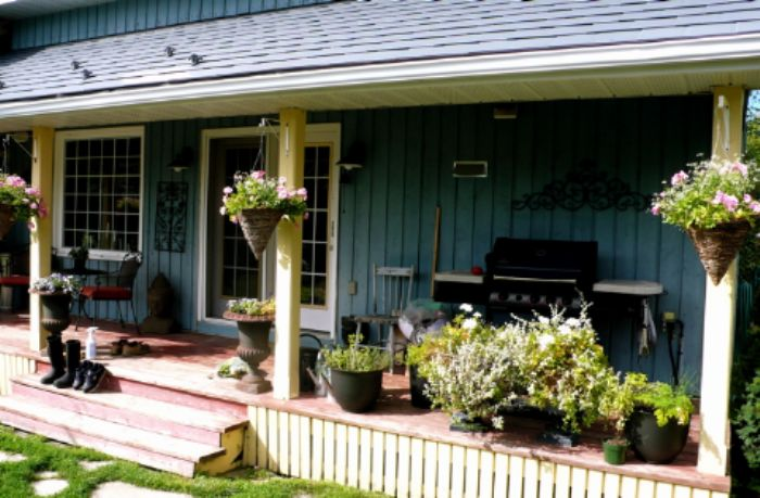The porch - practical, convivial and welcoming...