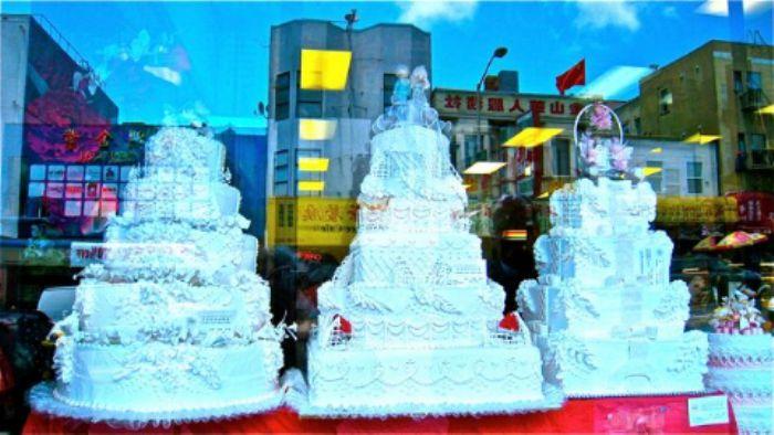 Intricate wedding cakes - Chinatown