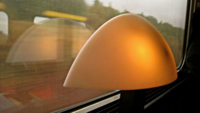Une lampe élégante ...