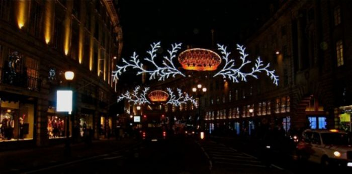 Crowns, choristers and reindeers - Regent Street
