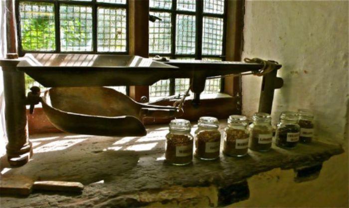 Sturminster Newton  -  inside the mill