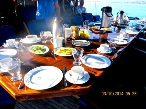 Breakfasts on deck ...