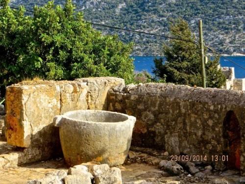 Kaleköy - an impressively gigantic stone pot