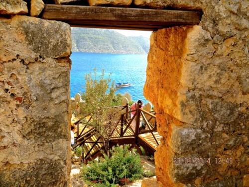 Kaleköy - a climb up to the castle