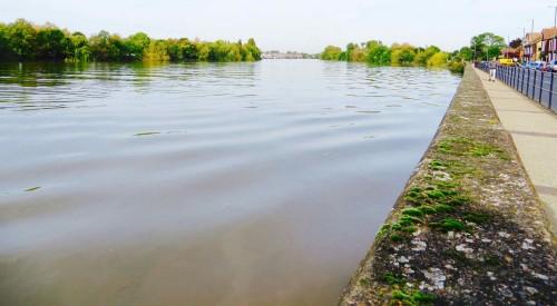 Walking upriver towards the Leg O' Mutton reservoir