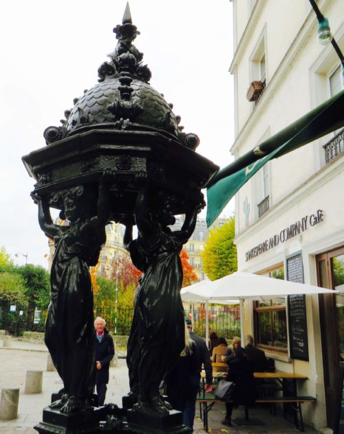 Keeping up appearances outside Shakespeare & Company - now with a café